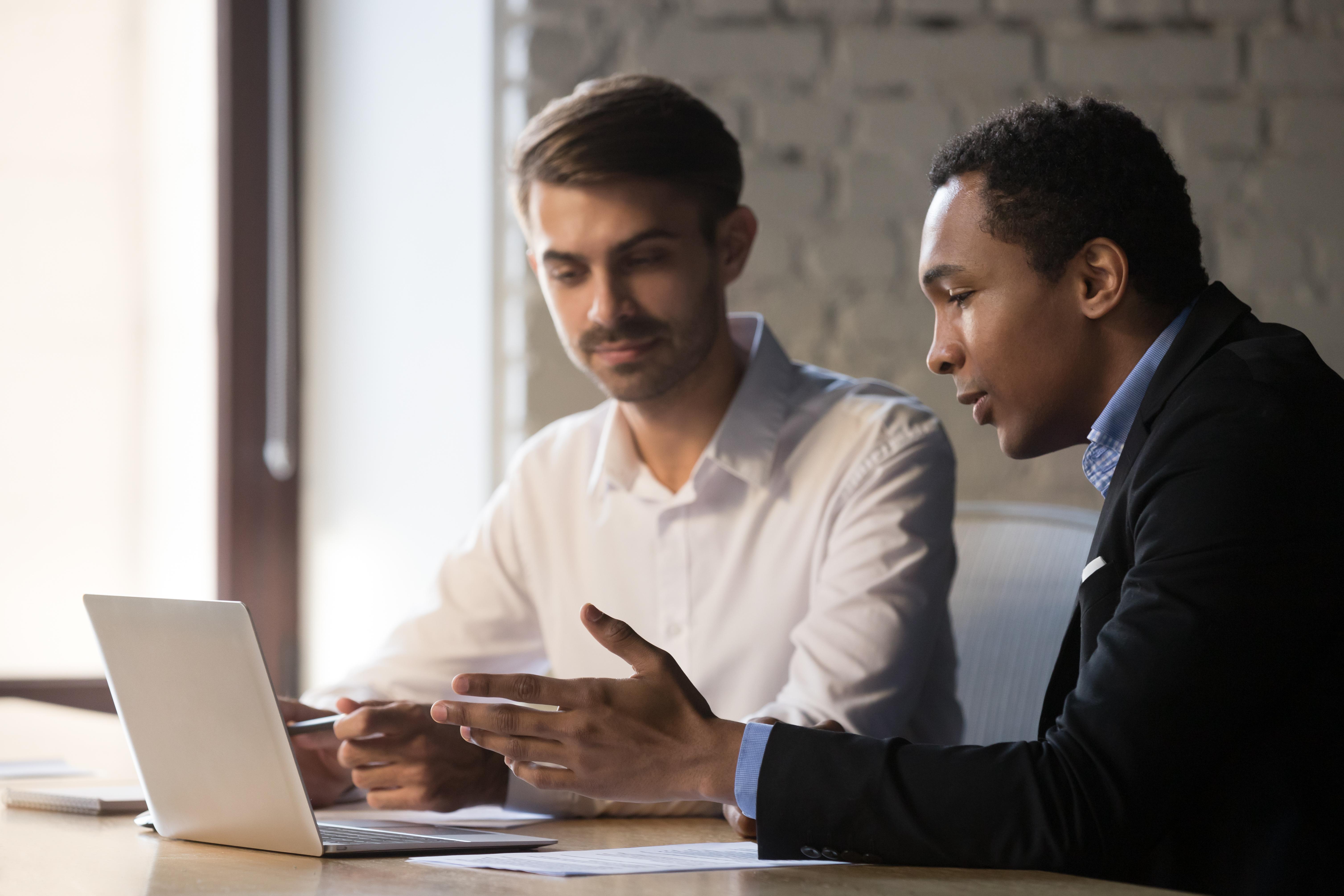 recruiter helps new employee